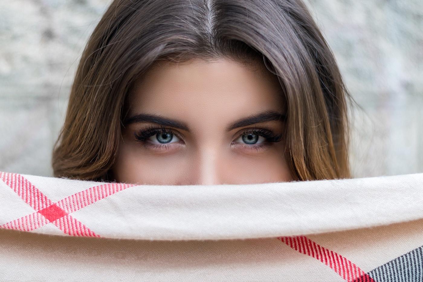 eye-eyes-problems-lupus-ocular-cover